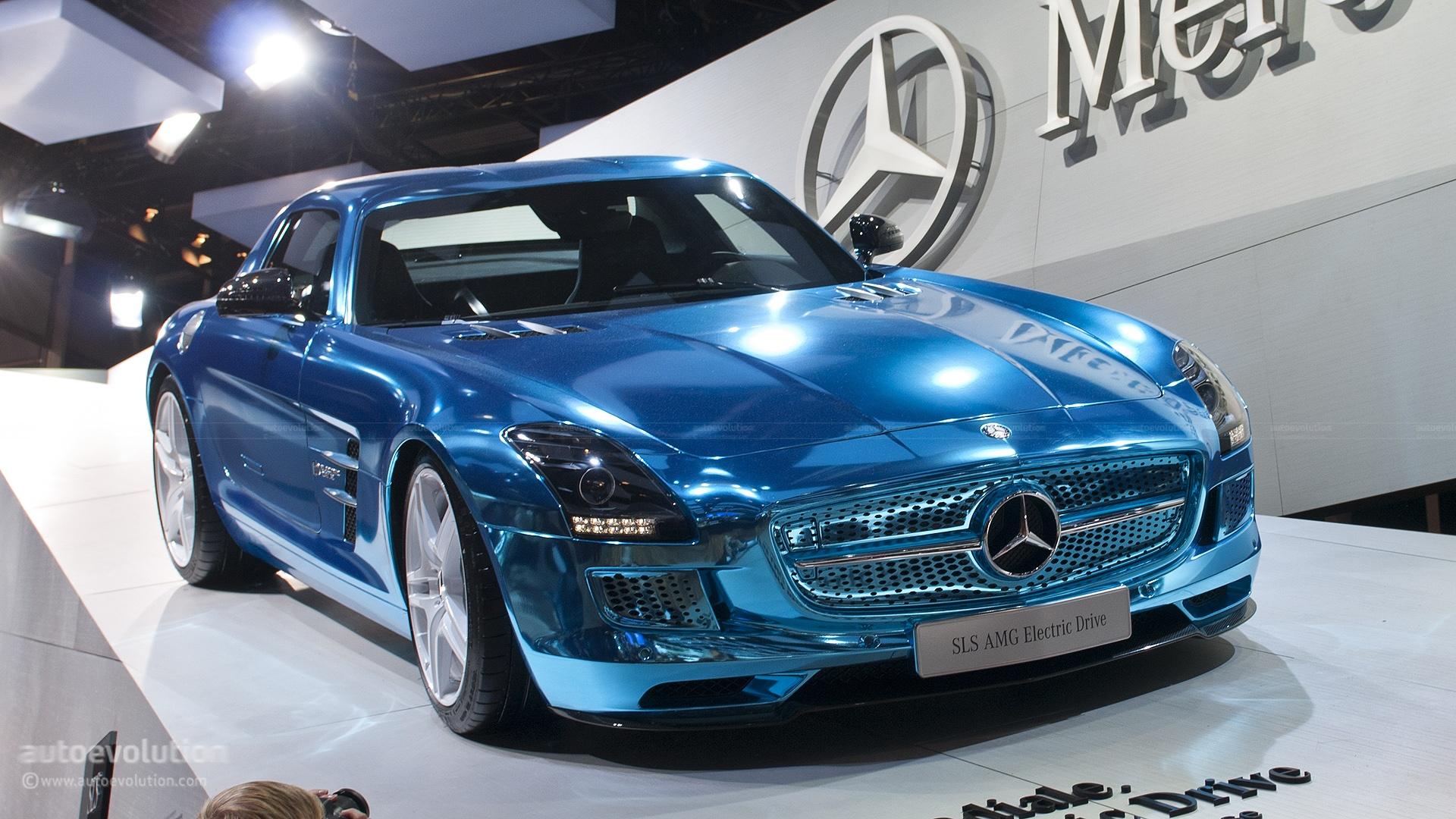 Paris 2012 mercedes benz sls electric drive live photos for Mercedes benz electric sls