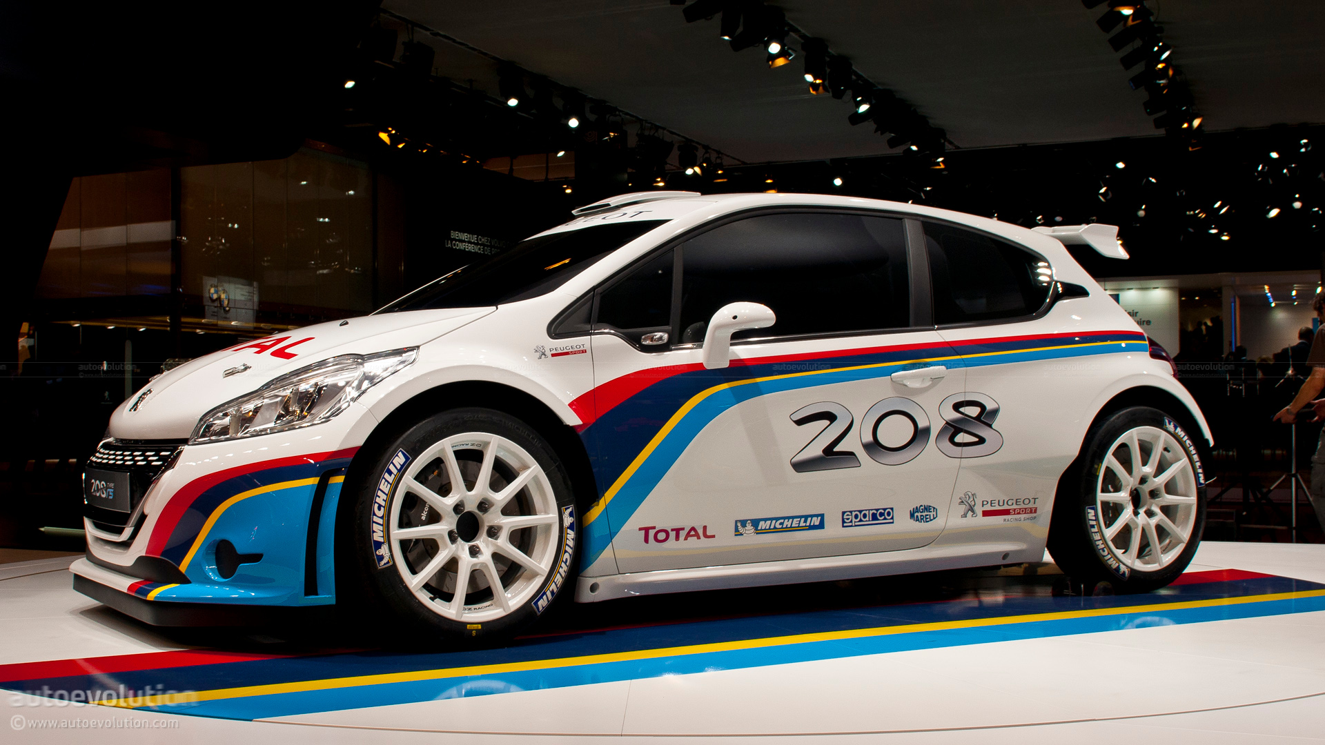 Paris 2012 Peugeot 208 Type R5 Rally Car Live Photos