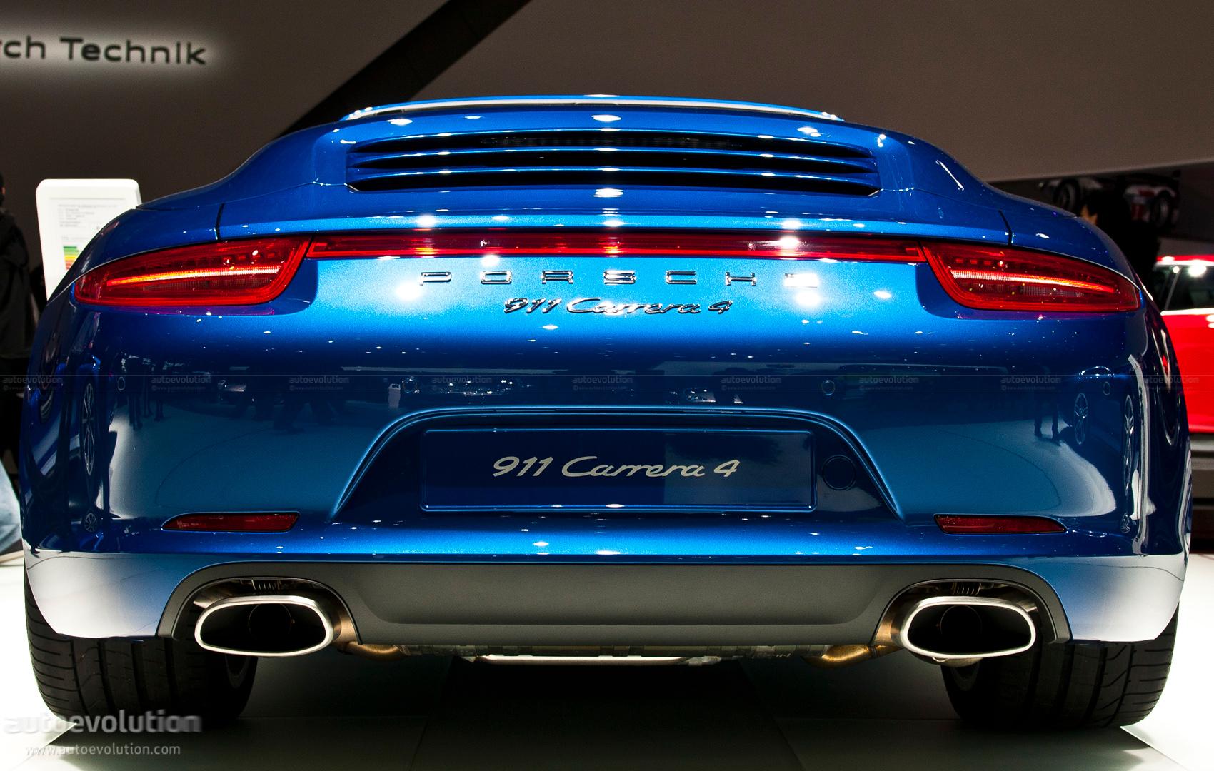 Paris 2012 Porsche 911 Carrera4 Cabriolet Live Photos