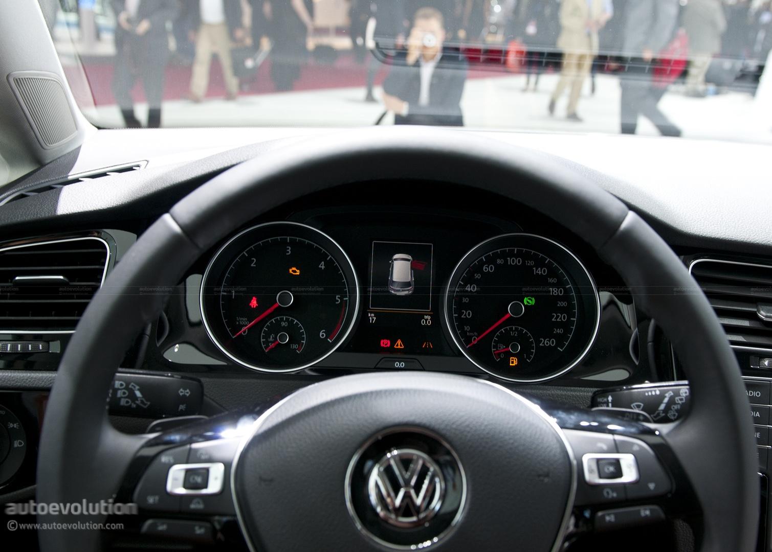 Paris 2012 Volkswagen Golf Vii Live Photos Autoevolution