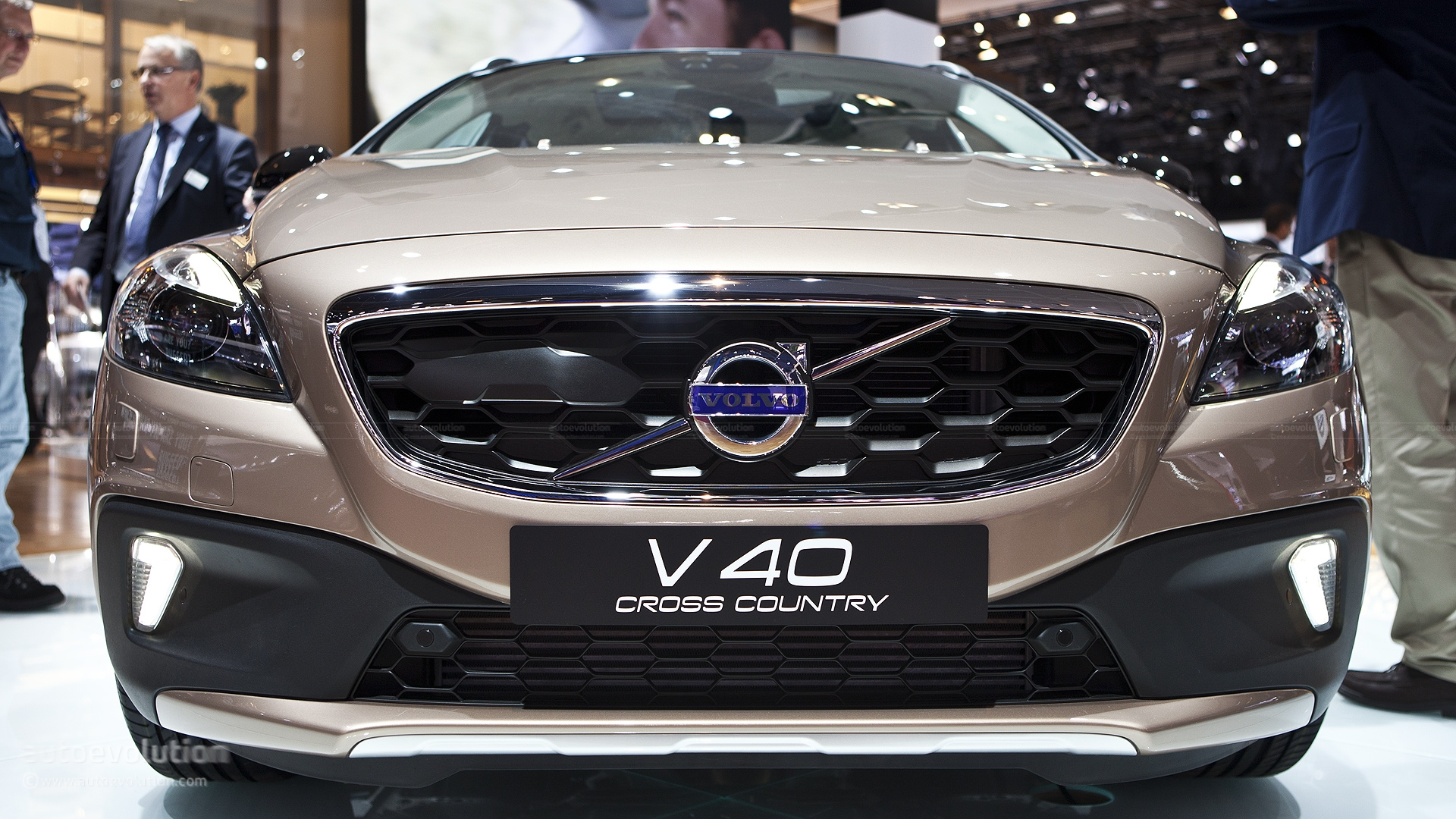 paris 2012 volvo v40 cross country. Black Bedroom Furniture Sets. Home Design Ideas