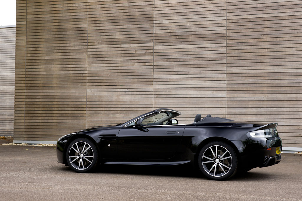 paris preview aston martin n420 roadster autoevolution. Black Bedroom Furniture Sets. Home Design Ideas