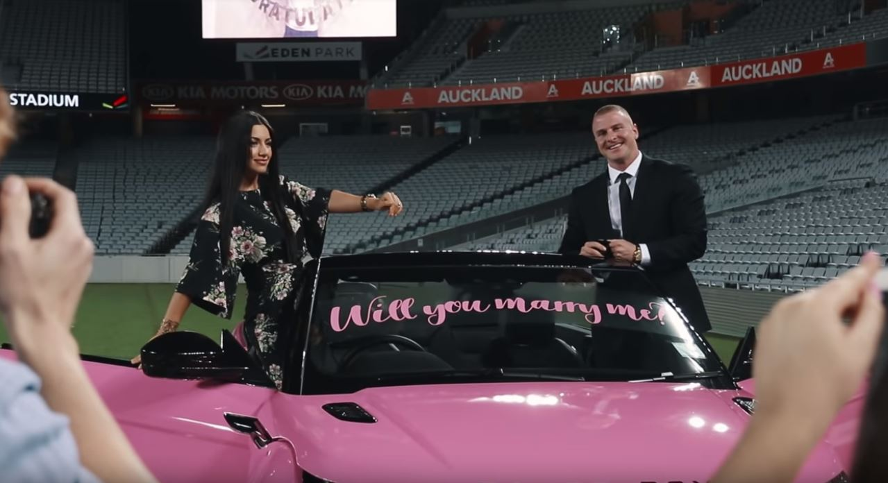 Personal Trainer Proposes With Pink Evoque Cabrio Helicopter Ride Diamond Ring Autoevolution