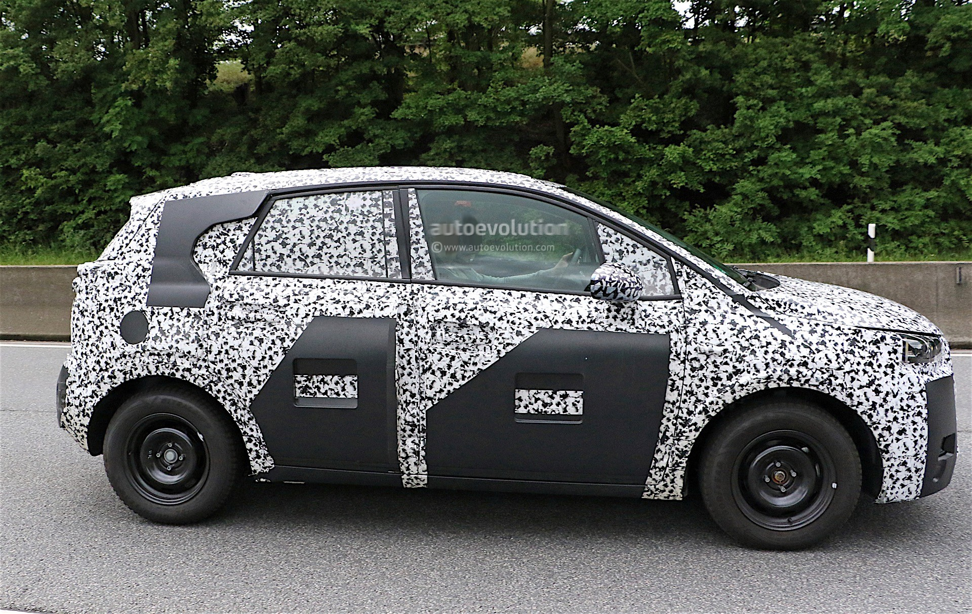 Peugeot 2008 Replacement Spied For The First Time ...