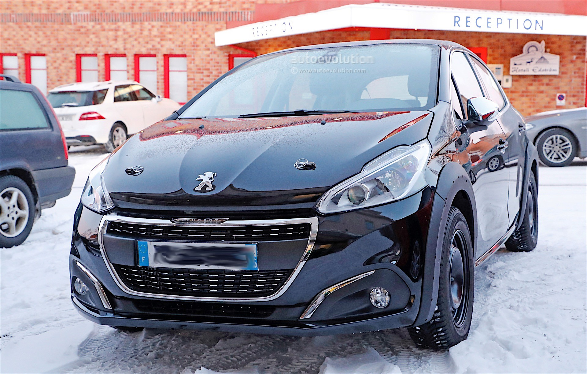 Peugeot 208 EV Coming In 2019, More Electric Vehicles and PHEVs To ...