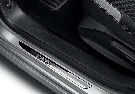 2012 - [Peugeot] 208 - berline [A90/1] - Page 40 Peugeot-208-style-special-edition-added-to-uk-model-range_2