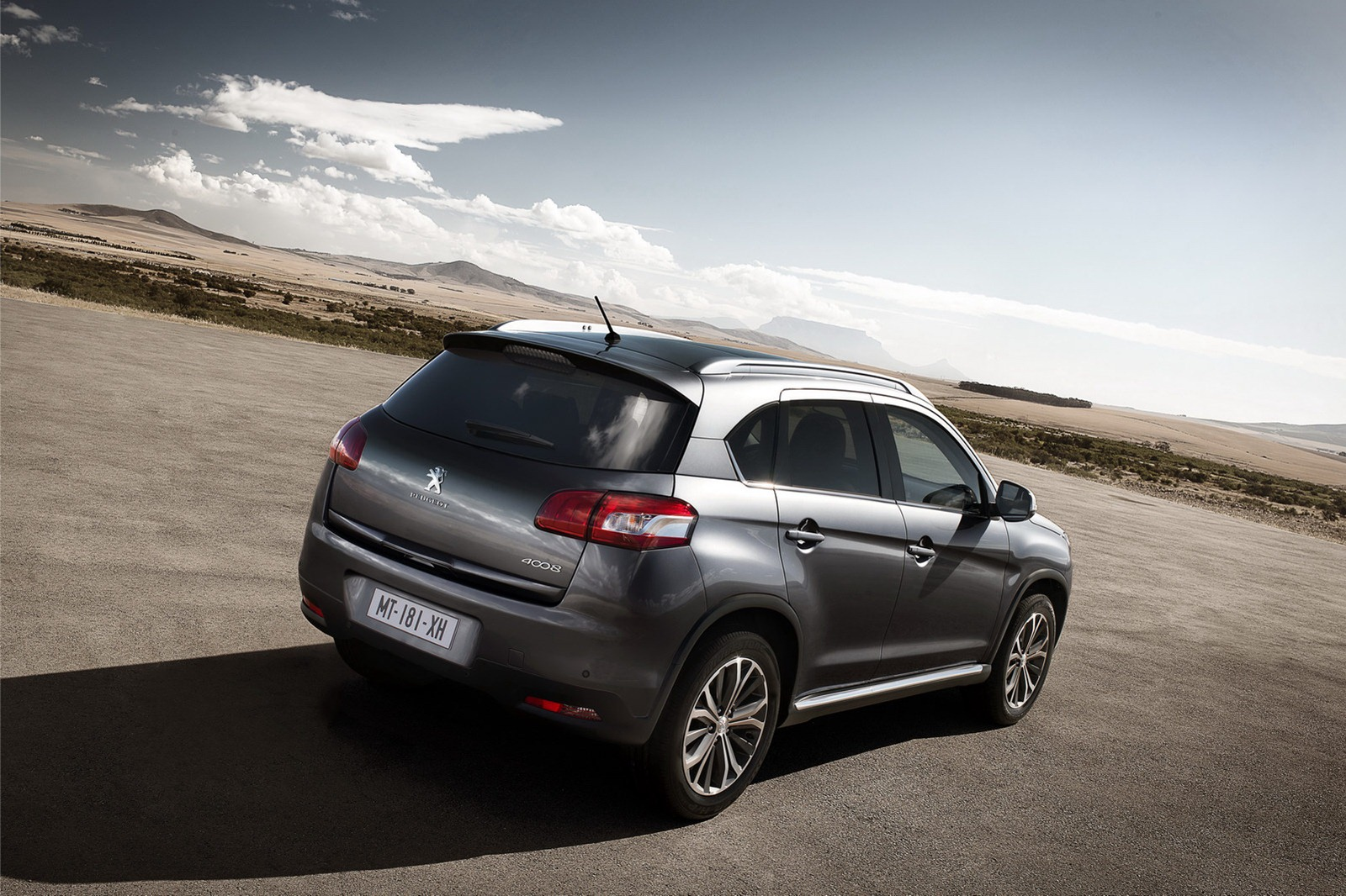 Peugeot 4008 Crossover: New Photos Released - autoevolution  Peugeot 4008 2015