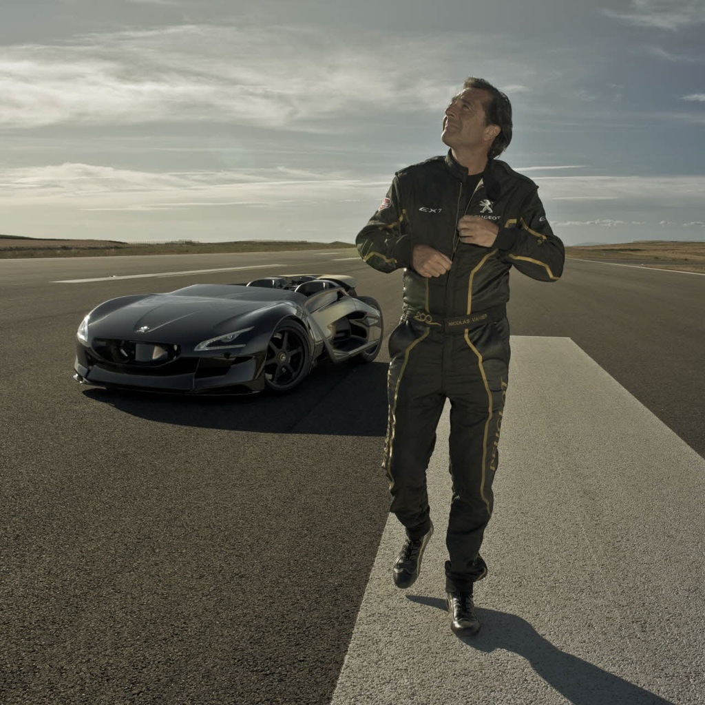 ... Peugeot EX1 Concept ...
