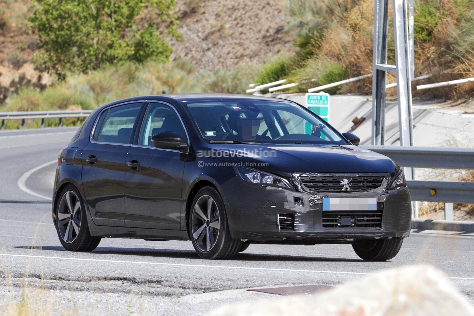 peugeot prepares to facelift 308 model lineup for 2017 autoevolution. Black Bedroom Furniture Sets. Home Design Ideas