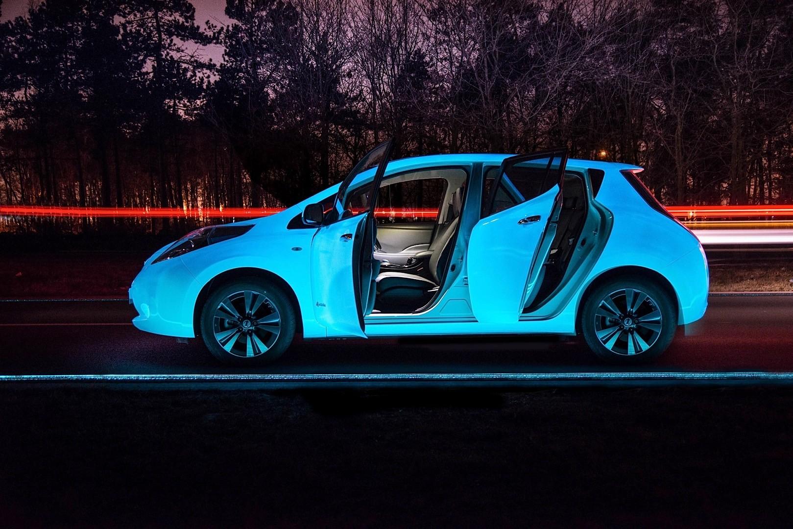 Phosphorescent Nissan Leaf on Glowing Highway Looks Like a ...