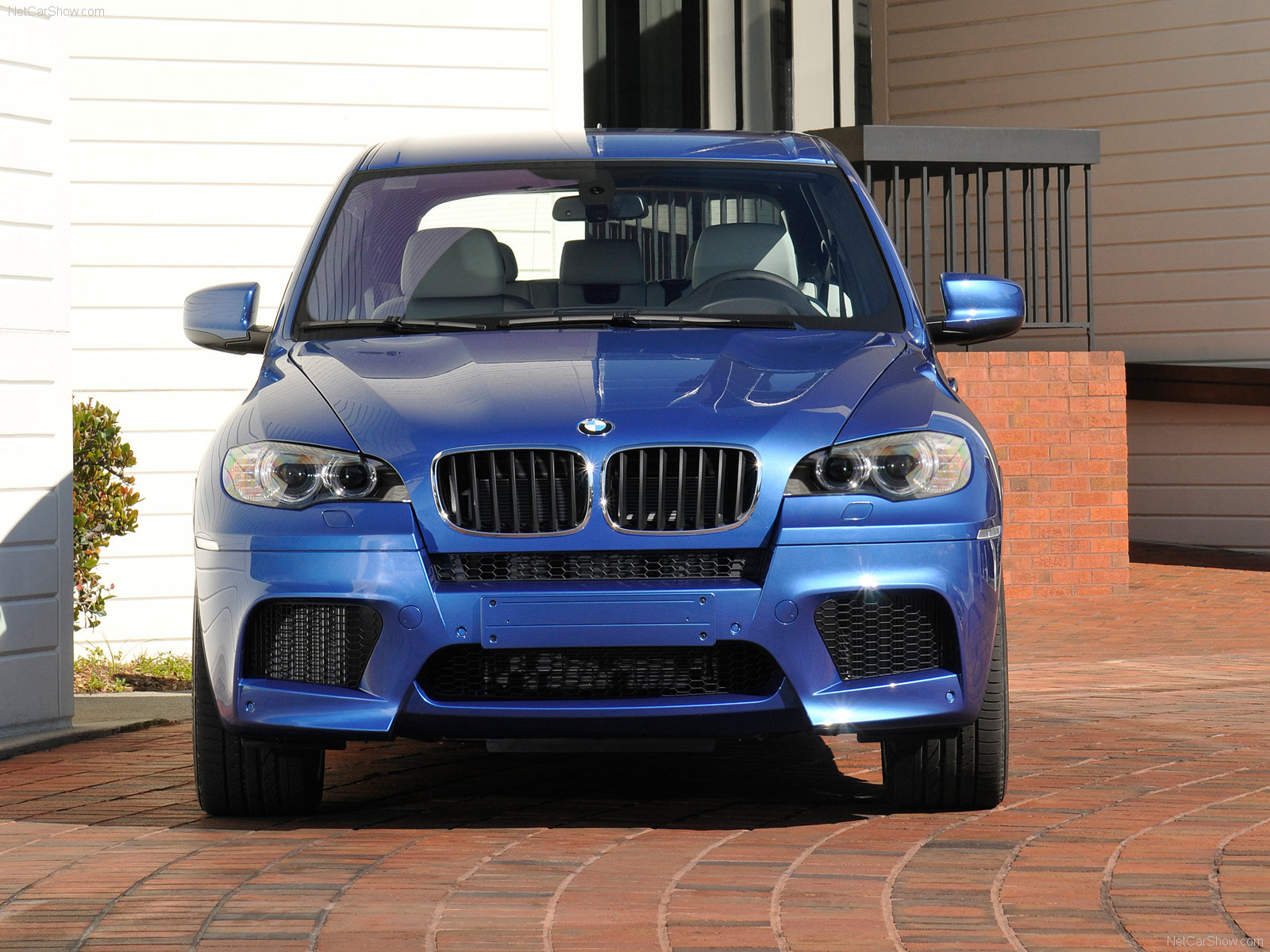 photo comparison 2015 bmw x5 m vs the original. Black Bedroom Furniture Sets. Home Design Ideas