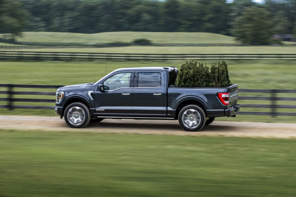Gmc Sierra Vs Ford F 150 >> Photo Comparison: New 2021 Ford F-150 vs. Old 2020 Ford F ...