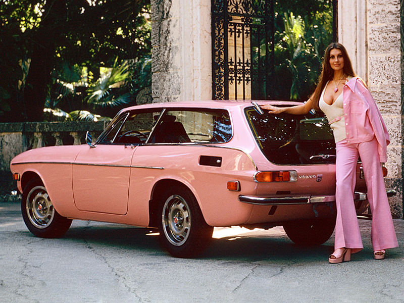 Volvo P1800 For Sale >> Pink Cars and Retro Girls Will Remind You of the Playboy Lifestyle - autoevolution