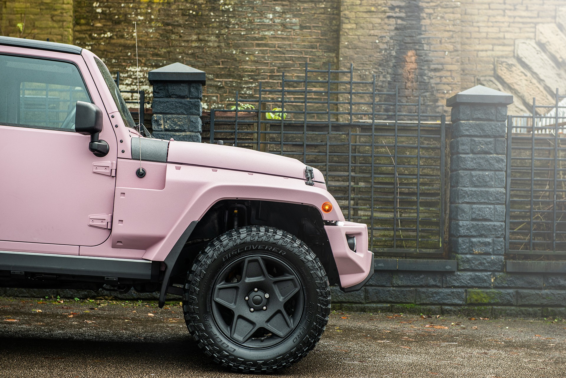 Pink Jeep Wrangler Looks Like Barbie S Off Road Weekend Warrior Autoevolution