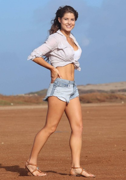 Used 2014 Jeep Grand Cherokee >> Playmate Amanda Cerny Next to a Jeep Makes You Bite Your ...