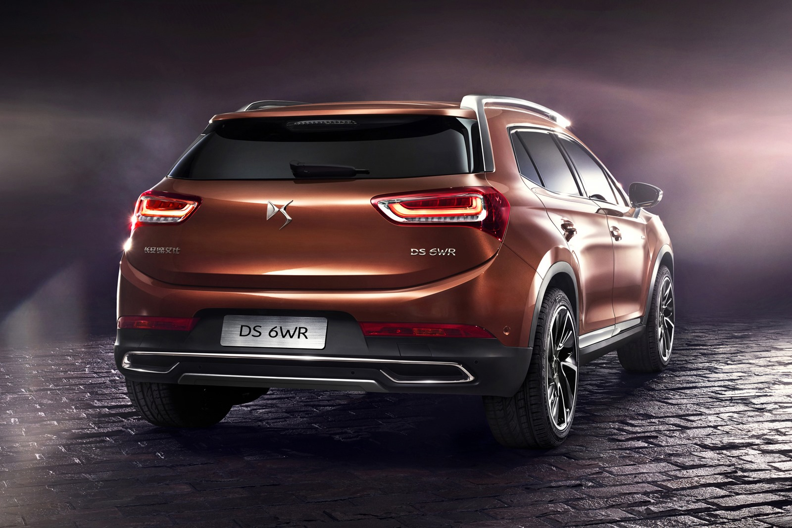 plug in hybrid suv could be the key to ds brand 39 s u s. Black Bedroom Furniture Sets. Home Design Ideas