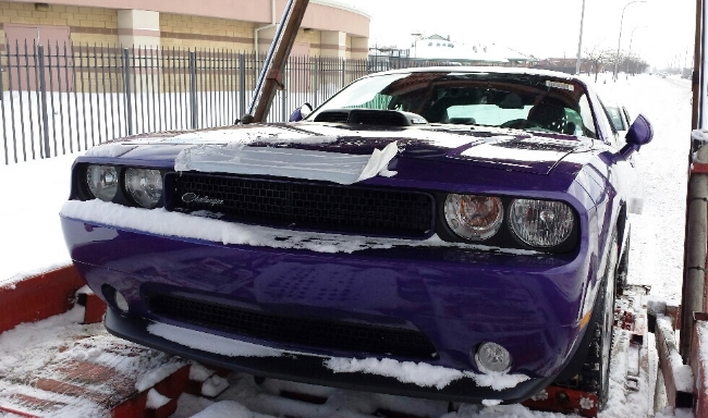 Challenger Shaker For Sale >> Plum Crazy 2014 Dodge Challenger R/T Shaker Spotted in Detroit - autoevolution