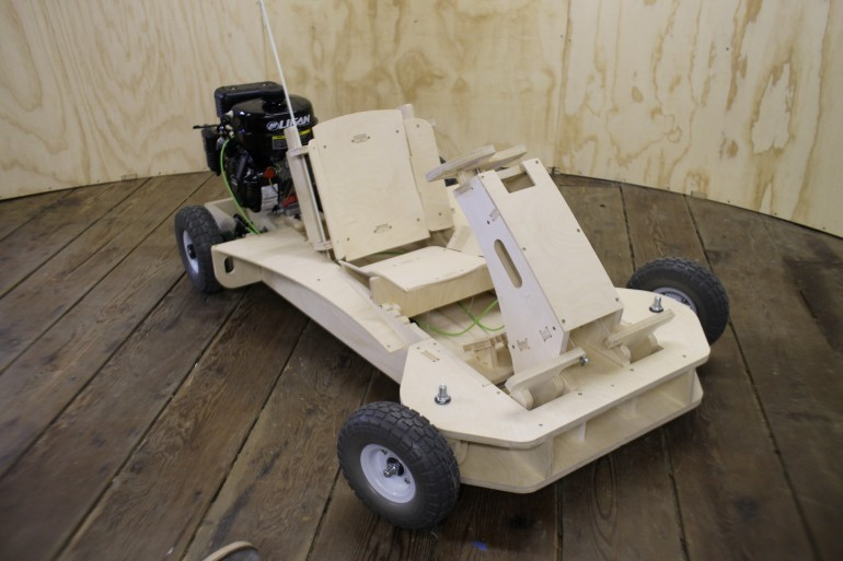 PlyFly Wooden Kart Is Good For 25 MPH, Assembles In a Few Hours - autoevolution