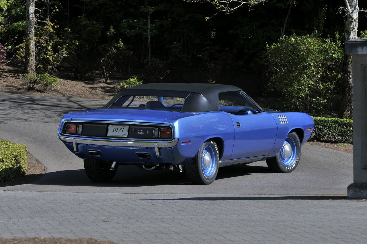 plymouth hemi cuda convertible takes 35 million at auction video photo gallery_3 plymouth hemi cuda convertible takes $3 5 million at auction 1971 cuda air conditioning wiring diagram at nearapp.co