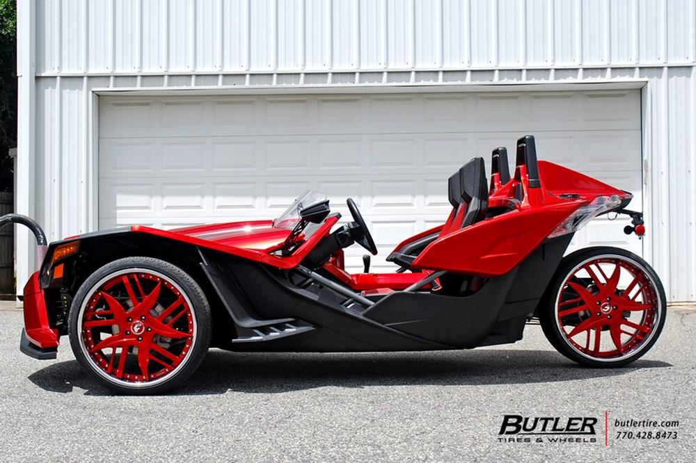 Polaris Slingshot On Fiery Red Forgiato Wheels Looks Like A Trike From Hell Autoevolution