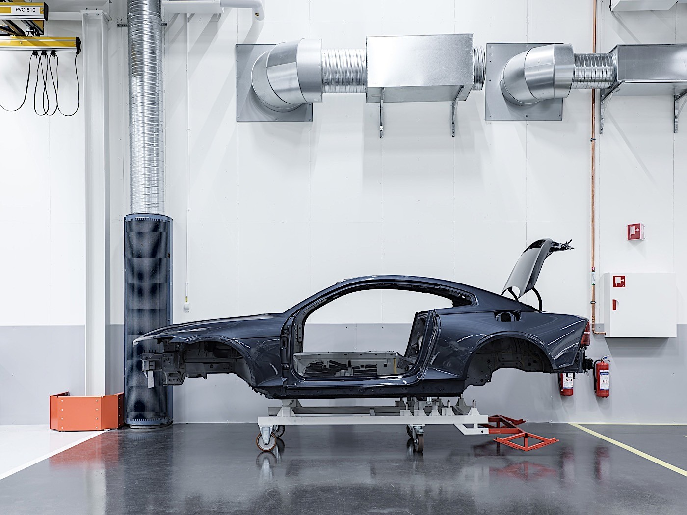 Polestar crash test focuses on carbon body