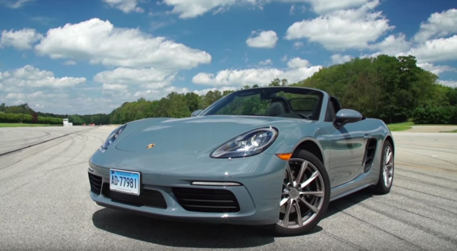 porsche 718 boxster review by consumer reports ends with ridiculous price autoevolution. Black Bedroom Furniture Sets. Home Design Ideas