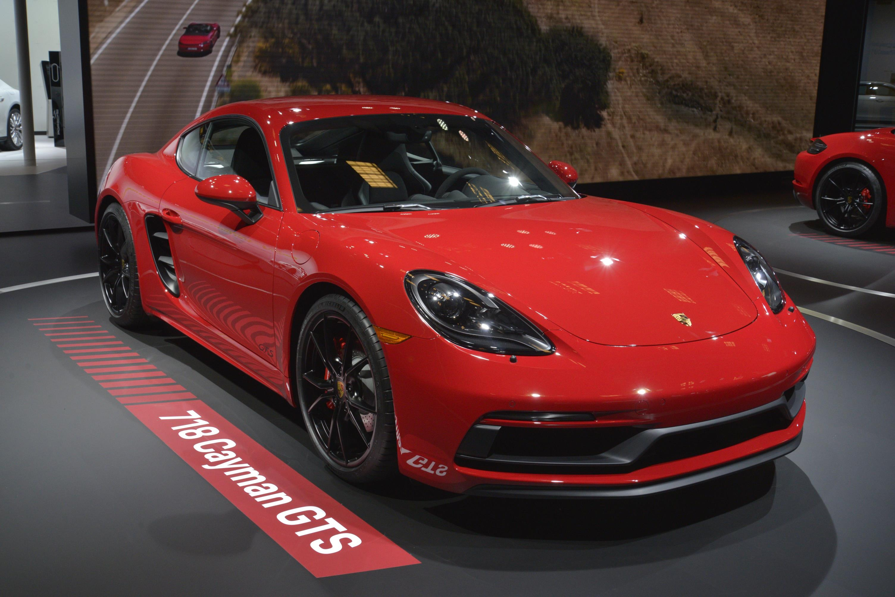 porsche 718 cayman and boxster gts are very red in los. Black Bedroom Furniture Sets. Home Design Ideas