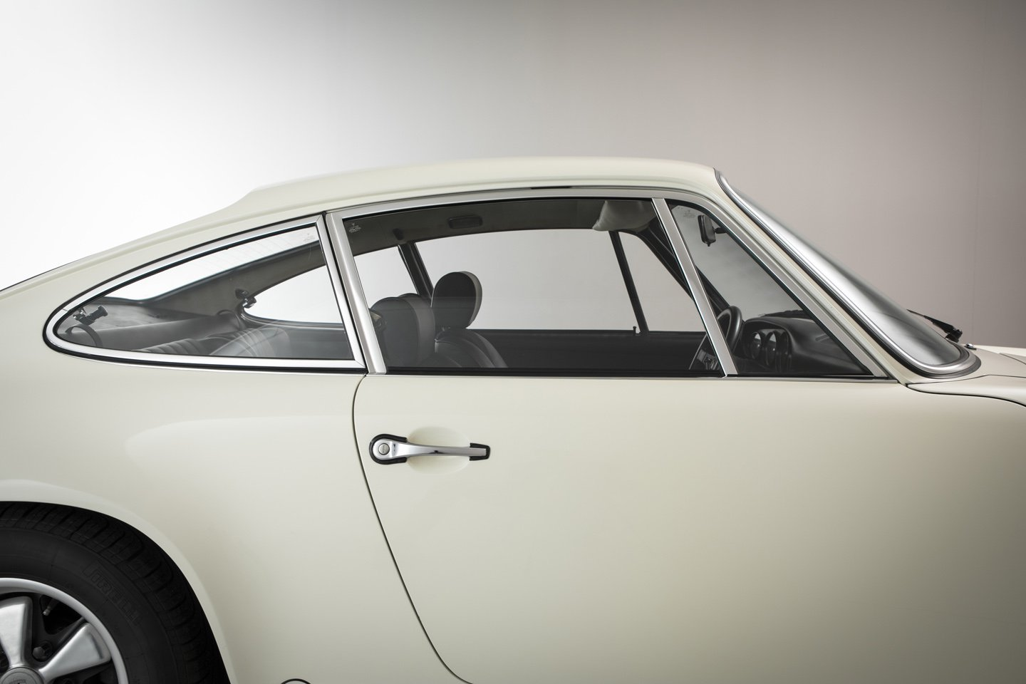 1973 Porsche 911 2.7 RS Touring Is An Air-Cooled Blue-Chip Investment ...