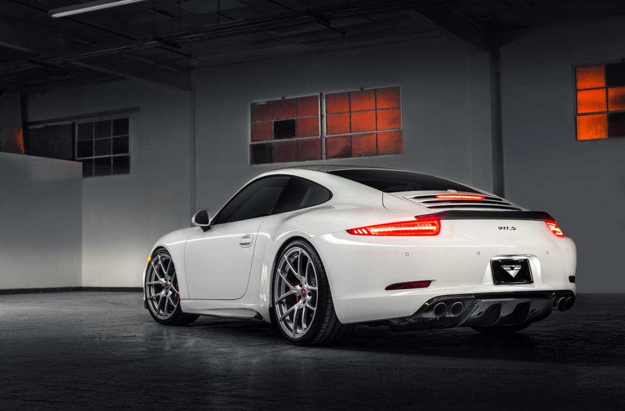 porsche 911 991 receives vorsteiner aerodynamic pack. Black Bedroom Furniture Sets. Home Design Ideas