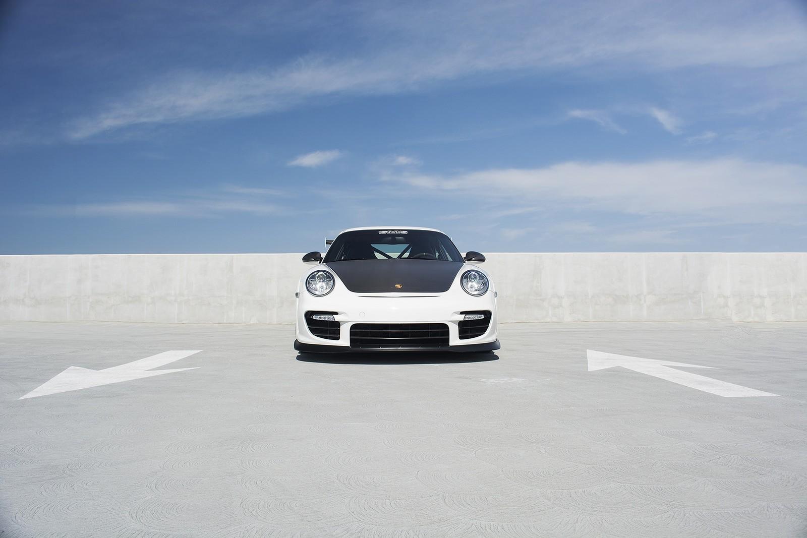 porsche 911 gt2 rs drag race unpredicatable porsche gt2 rs vs gt3 rs drag race porsche gt2. Black Bedroom Furniture Sets. Home Design Ideas