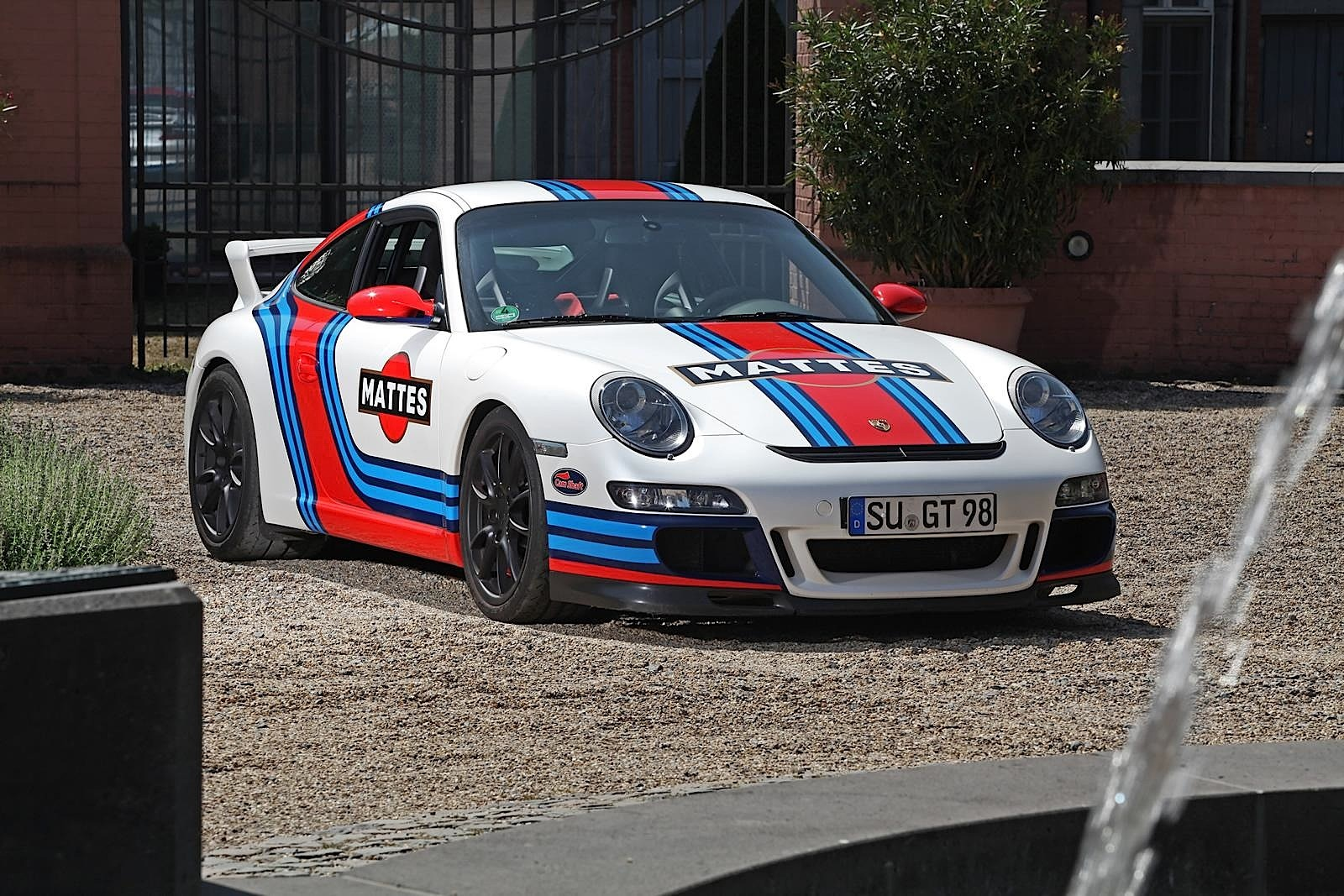 Porsche 911 Gt3 997 Gets Martini Livery Via Cam Shaft