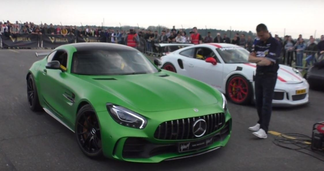 Porsche 911 GT3 RS Drag Races Mercedes-AMG GT R