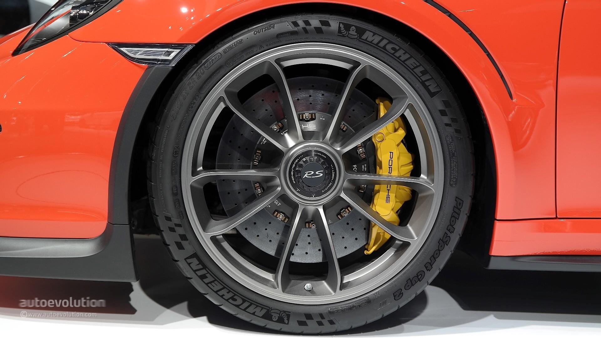 porsche 911 gt3 rs gets 911 rsr mid engined racecar livery. Black Bedroom Furniture Sets. Home Design Ideas