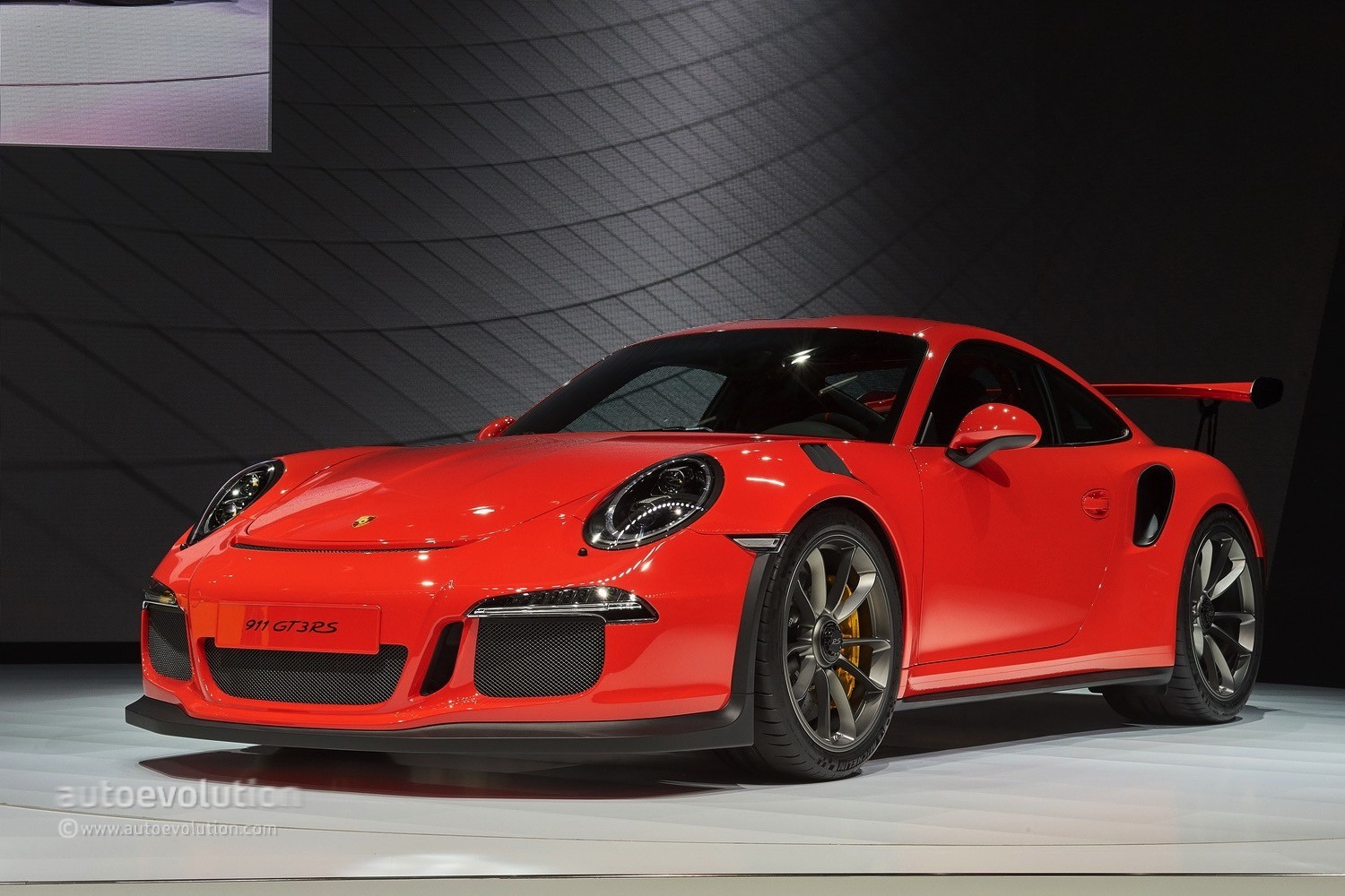 porsche 911 gt3 rs is the supermodel of race cars in geneva autoevolution. Black Bedroom Furniture Sets. Home Design Ideas