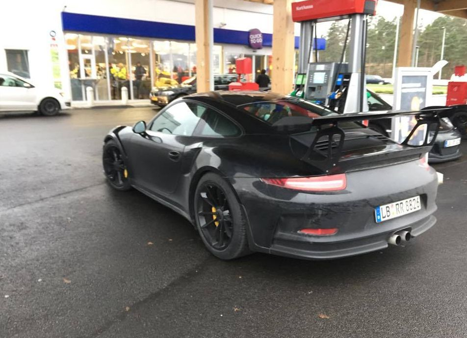 porsche 911 gt3 rs spotted testing in swedish winter 515 hp 4 0l engine expected autoevolution. Black Bedroom Furniture Sets. Home Design Ideas