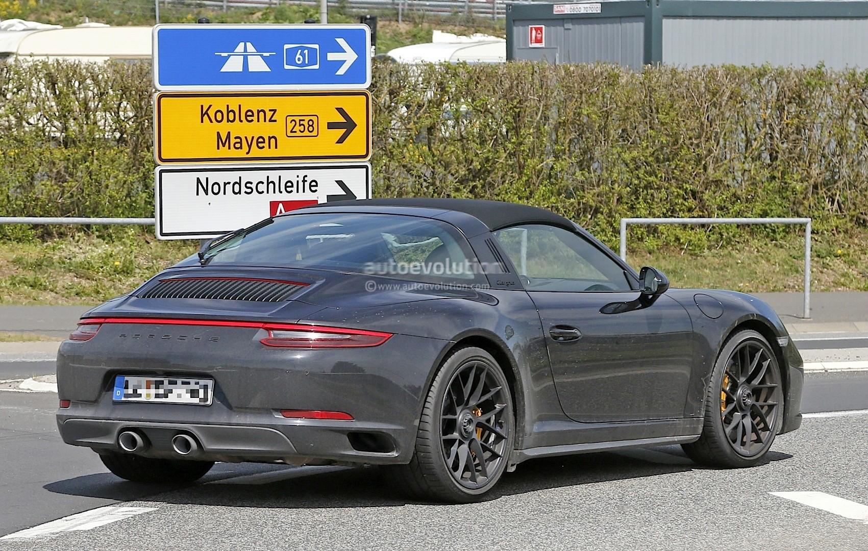 2017 porsche 911 targa gts 991 2 spied near the nurburgring autoevolution. Black Bedroom Furniture Sets. Home Design Ideas