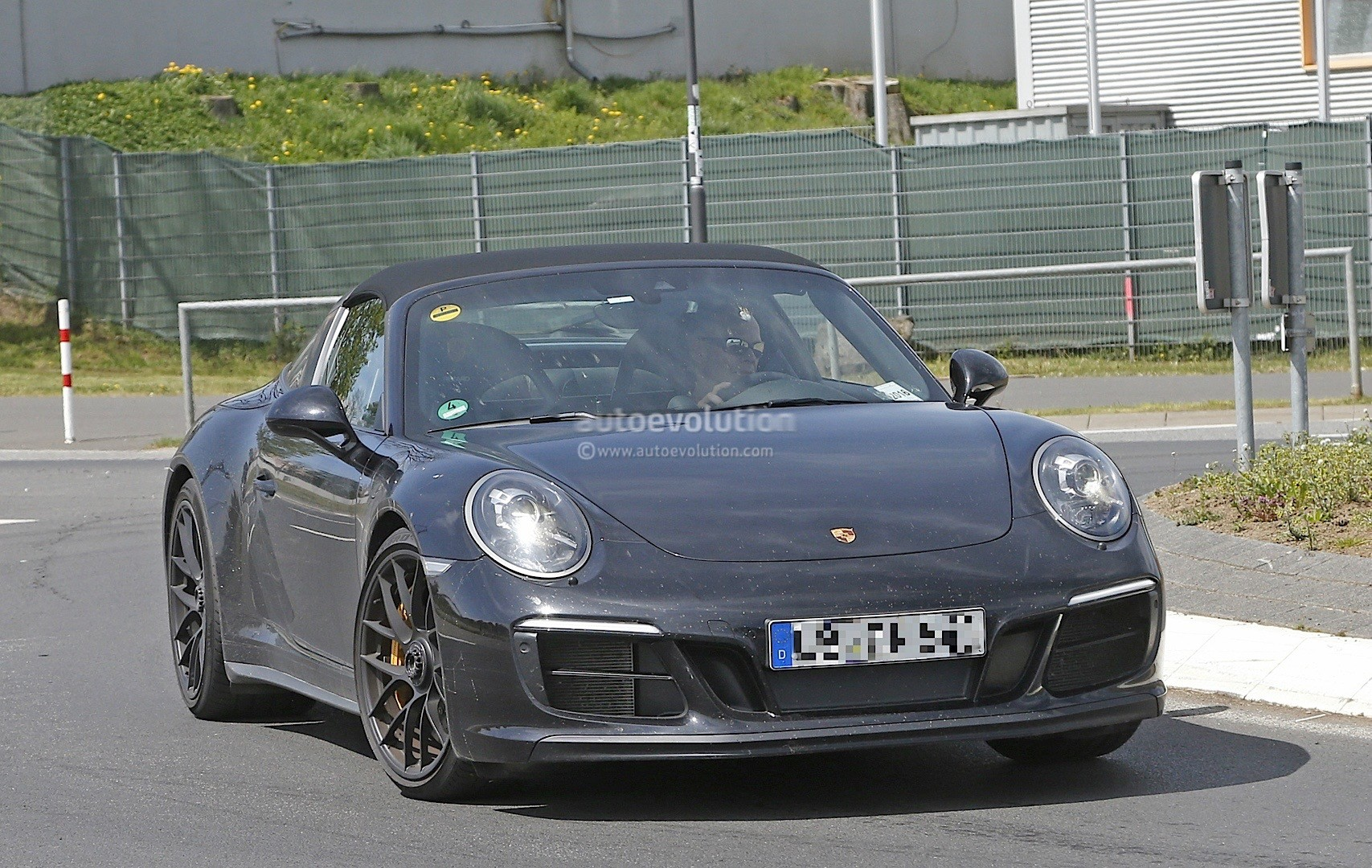 2017 porsche 911 targa gts 991 2 spied near the. Black Bedroom Furniture Sets. Home Design Ideas