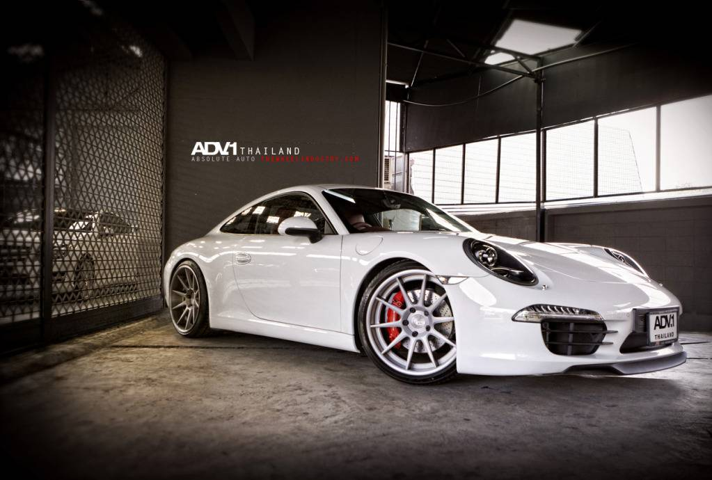 Porsche 911 Rides On Adv 1 Wheels Autoevolution