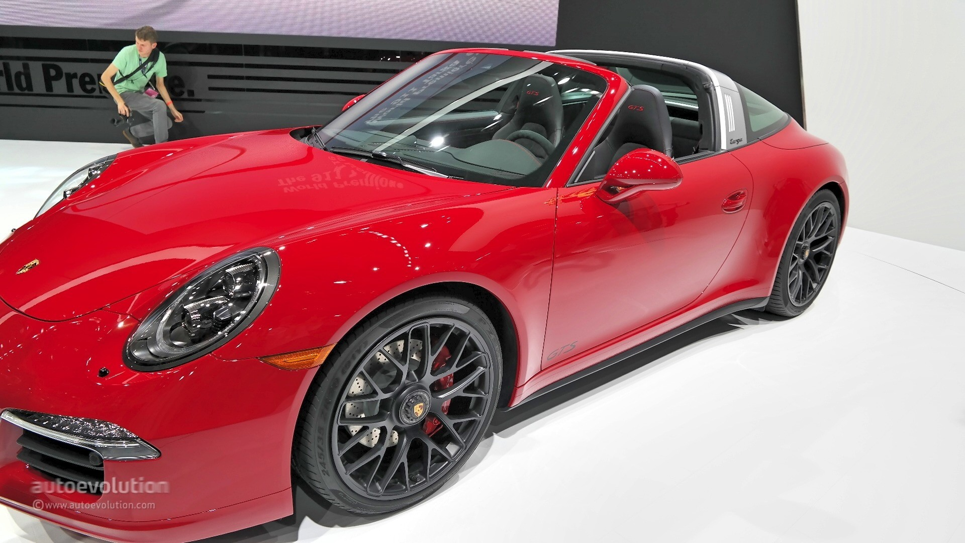 Porsche 911 targa 4 gts combines retro and sport perfectly for detroit live photos autoevolution