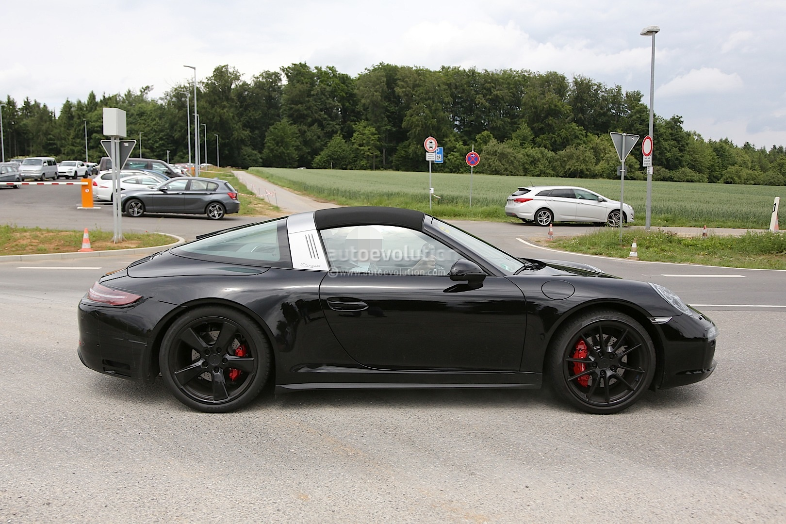 porsche 911 targa gts spied with facelift changes. Black Bedroom Furniture Sets. Home Design Ideas