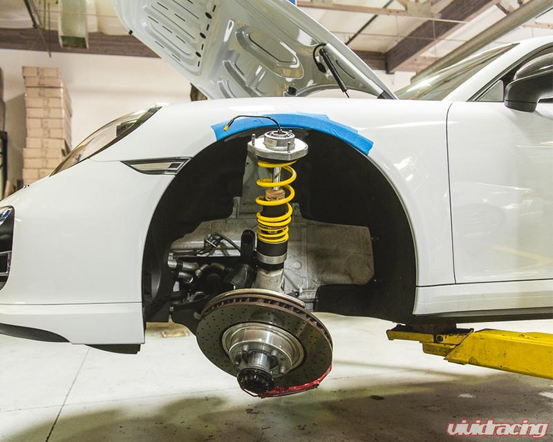 Porsche 911 Turbo Hydraulic Lift Kit Rises Over A Hot