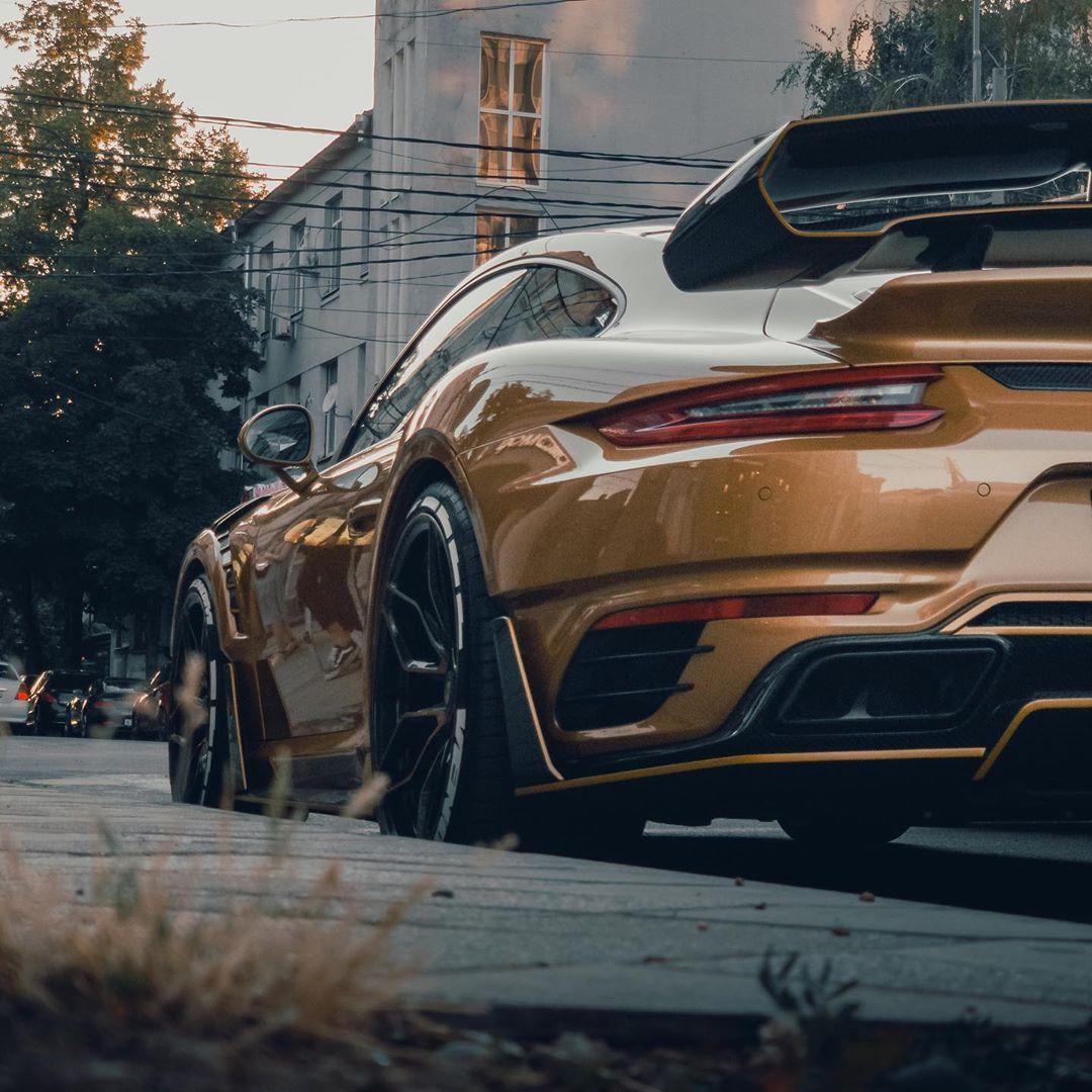 """Porsche 911 Turbo S """"Gold Venom"""" From SCL Is Pure Russian"""