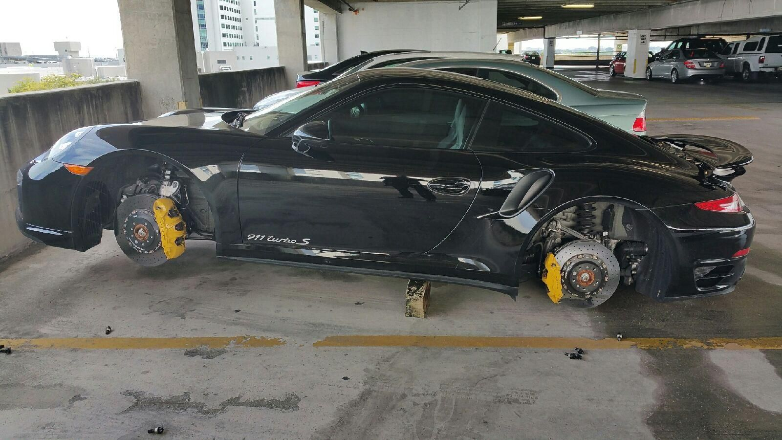 Porsche 911 Turbo S Wheels Stolen in Florida Hospital's Parking Lot