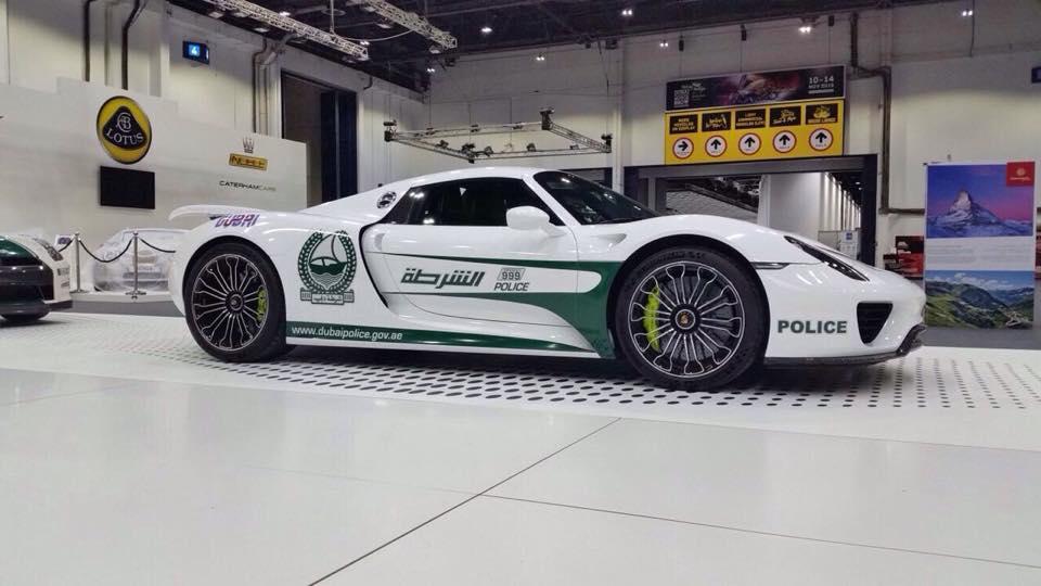 Porsche 918 Spyder Steals The International Dubai Motor