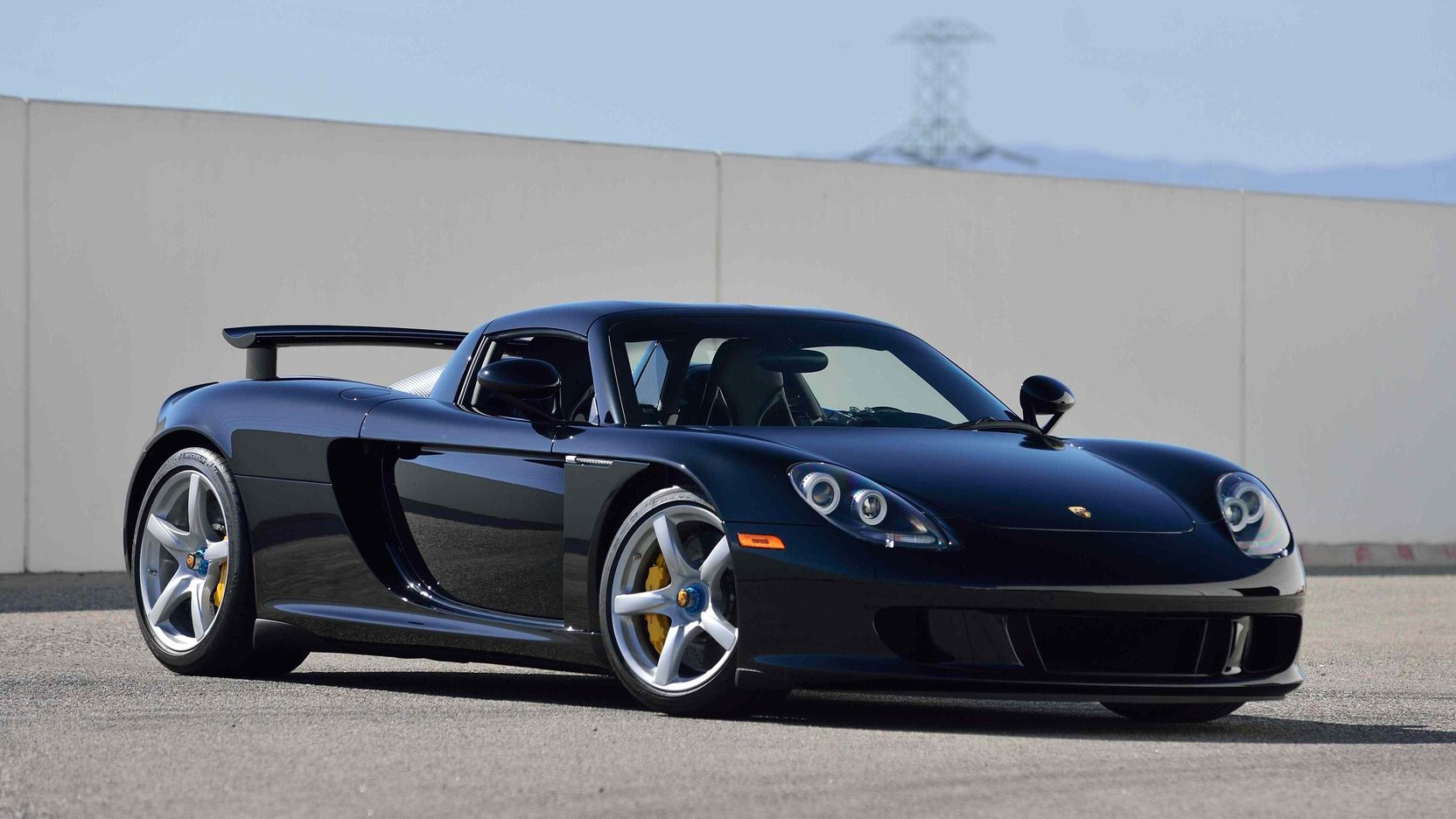 porsche carrera gt with 152 miles on the odometer heads to auction autoevolution. Black Bedroom Furniture Sets. Home Design Ideas