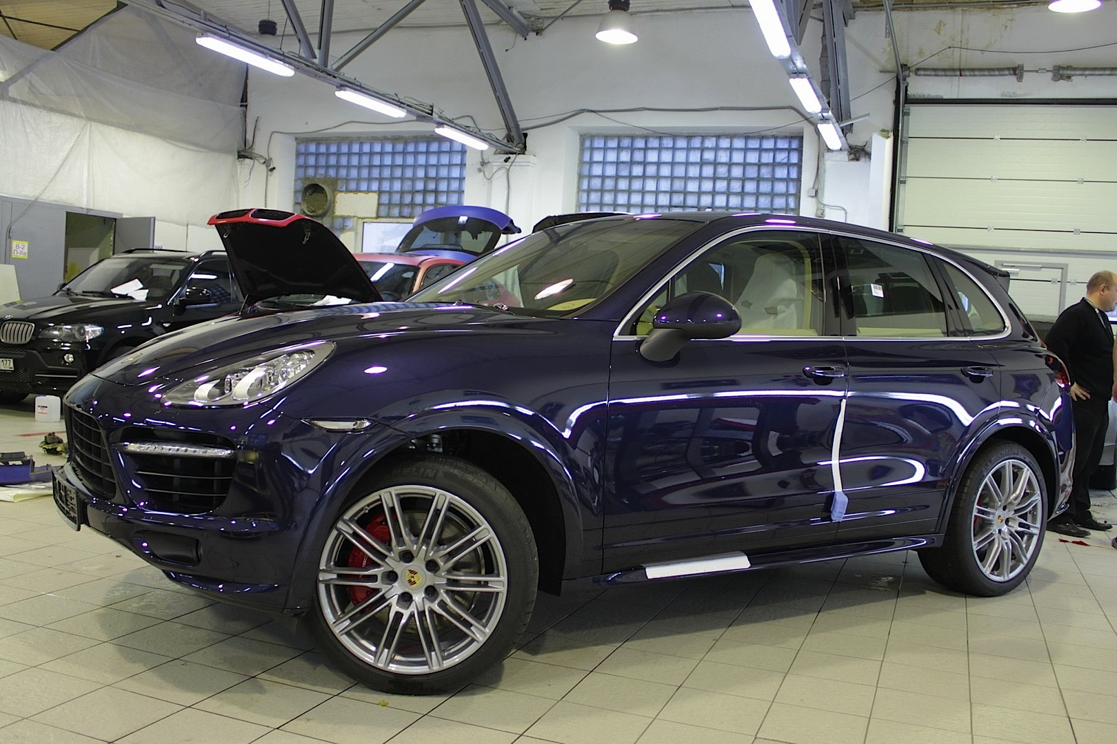 Porsche Cayenne Blue Chrome Autoevolution