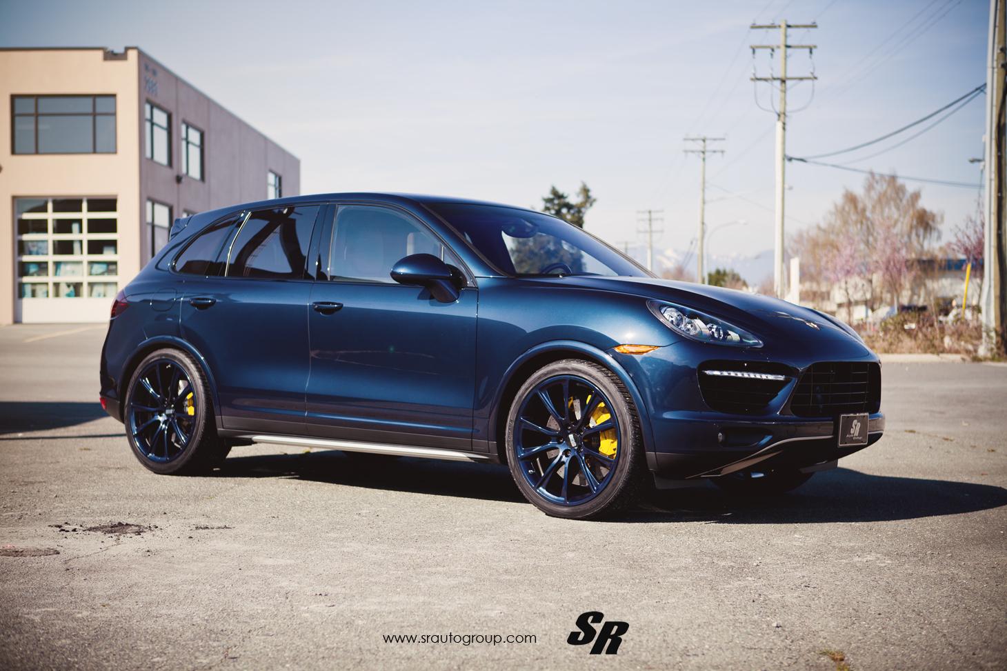 Porsche Cayenne Gets Bespoke Blue BBS Rims - autoevolution