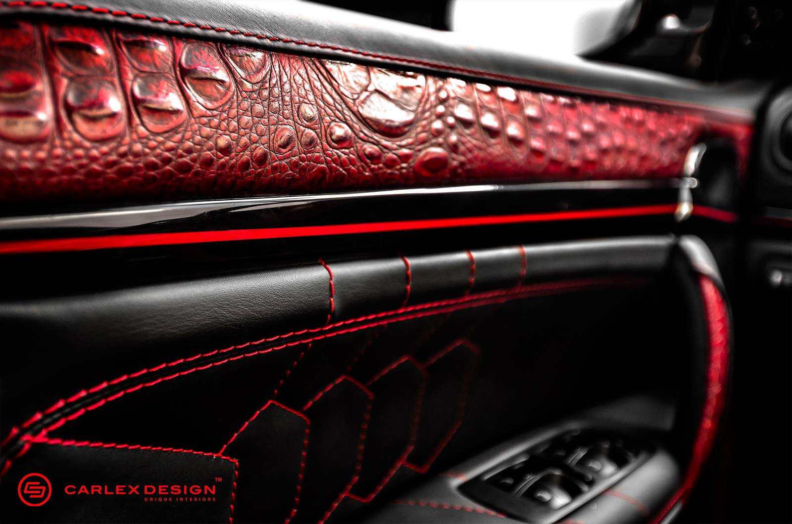 porsche cayenne goes reptilian with red crocodile leather interior autoevolution. Black Bedroom Furniture Sets. Home Design Ideas