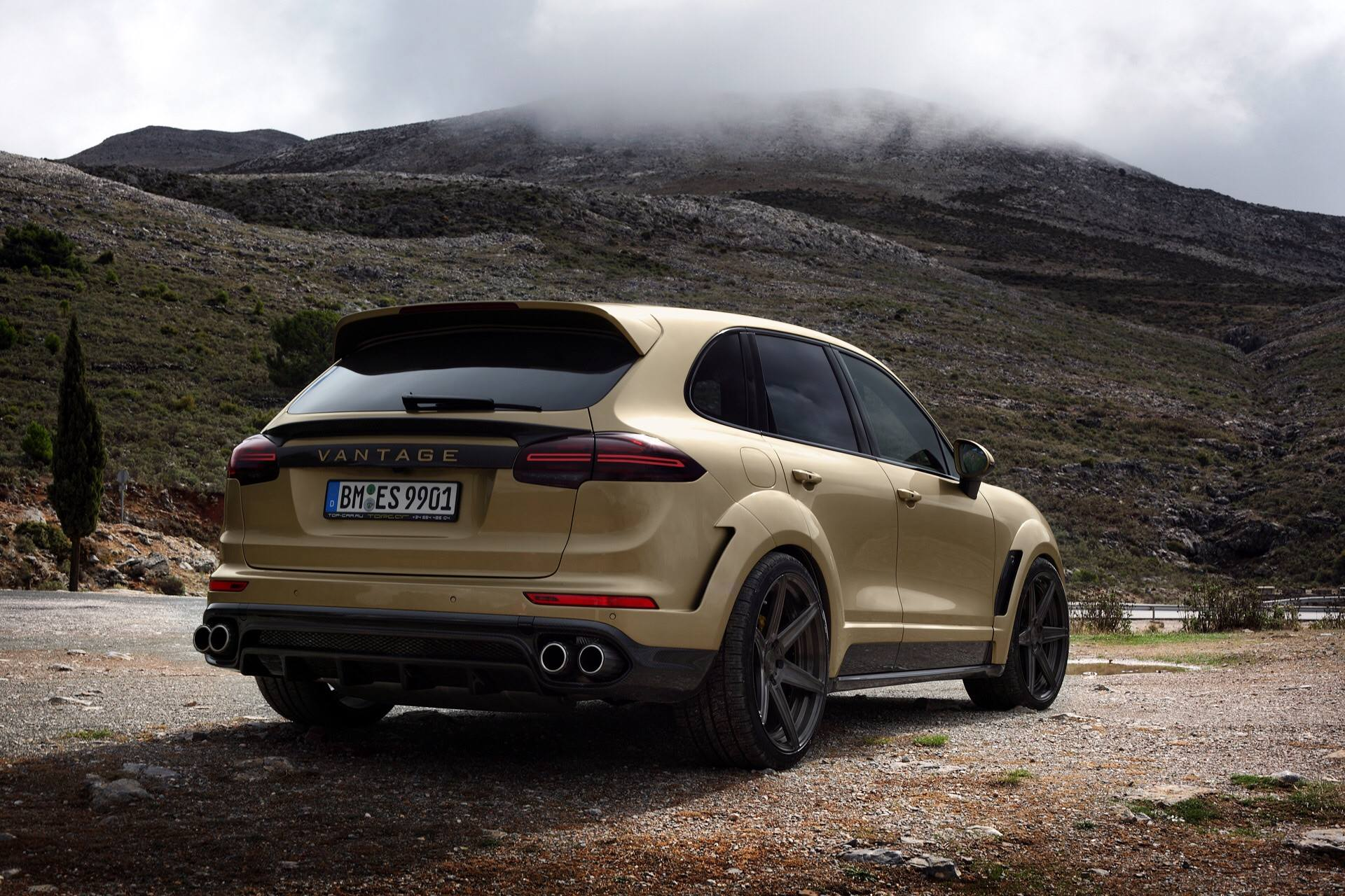 Billion Auto Group >> 2015 Porsche Cayenne HD Wallpapers: Subtle Giant - autoevolution