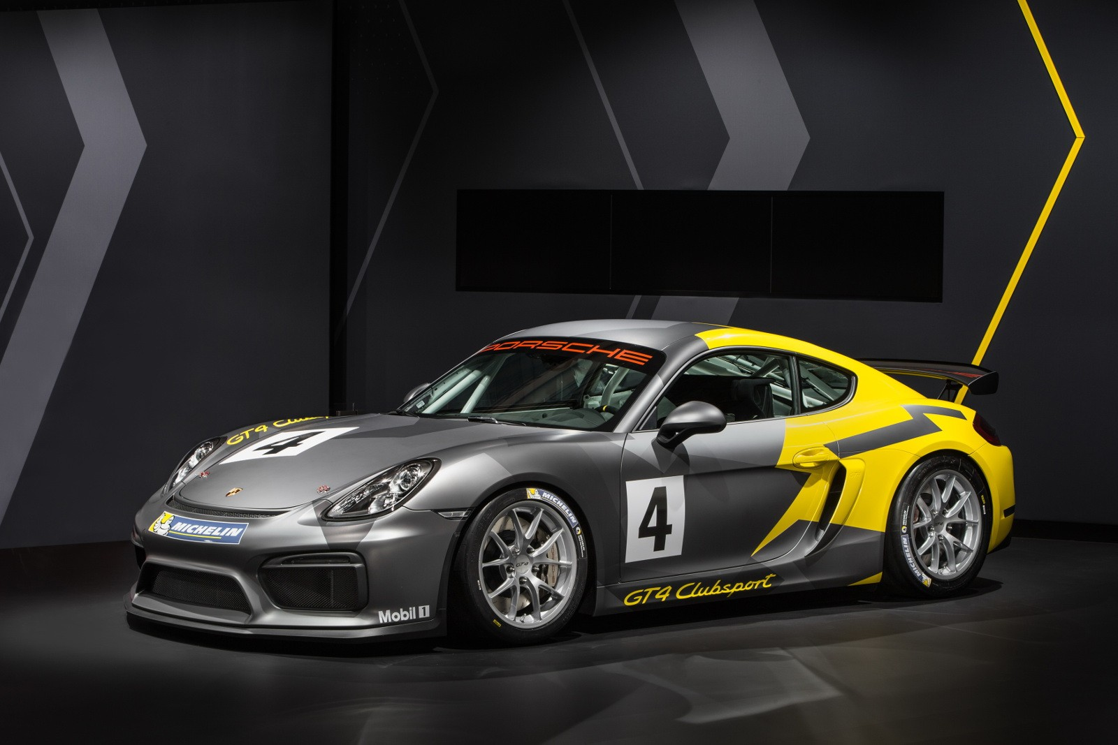 porsche cayman gt4 clubsport racecar shows pdk fetishy stripped out interior in la autoevolution - 2015 Porsche Cayman Gt4 Interior